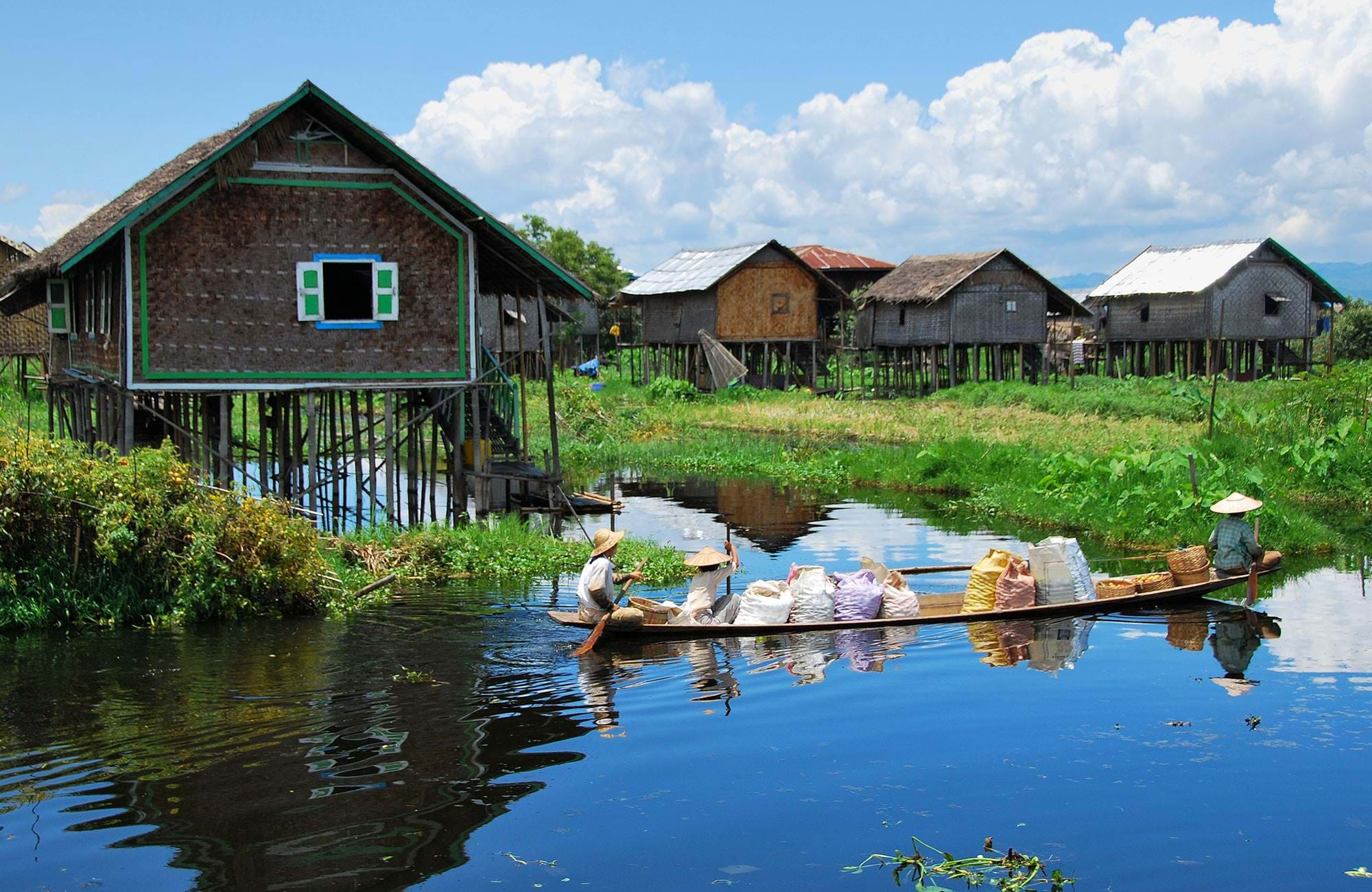 floating village in myanmar
